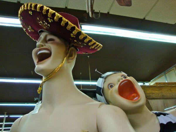 funny-hilarious-mannequin23