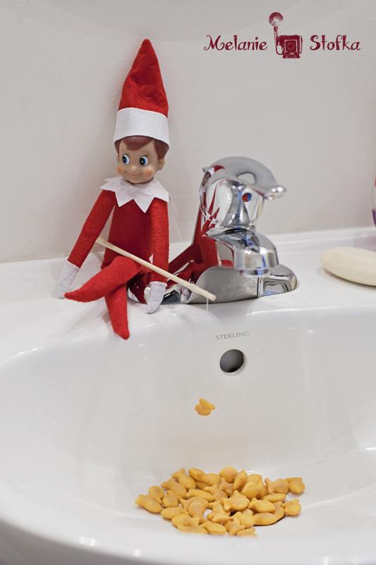 elf-christmas-presents-funny-13