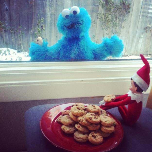 elf-christmas-presents-funny-33