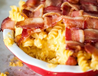 bacon-macaroni-and-cheese-pie-recipe-main