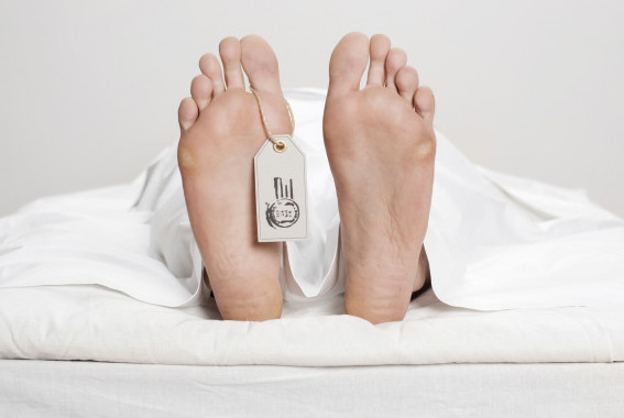 B400Y1 Dead person with name tag on toe