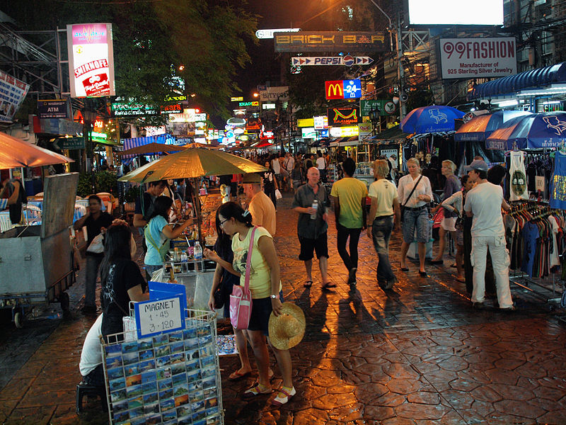 800px_khao_san_road_at_night_by_kevinpoh